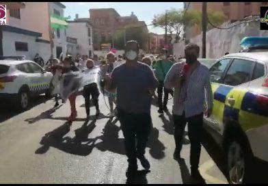 Cientos de personas se manifiestan el La Línea pidiendo justicia para los ahogados del pasado lunes
